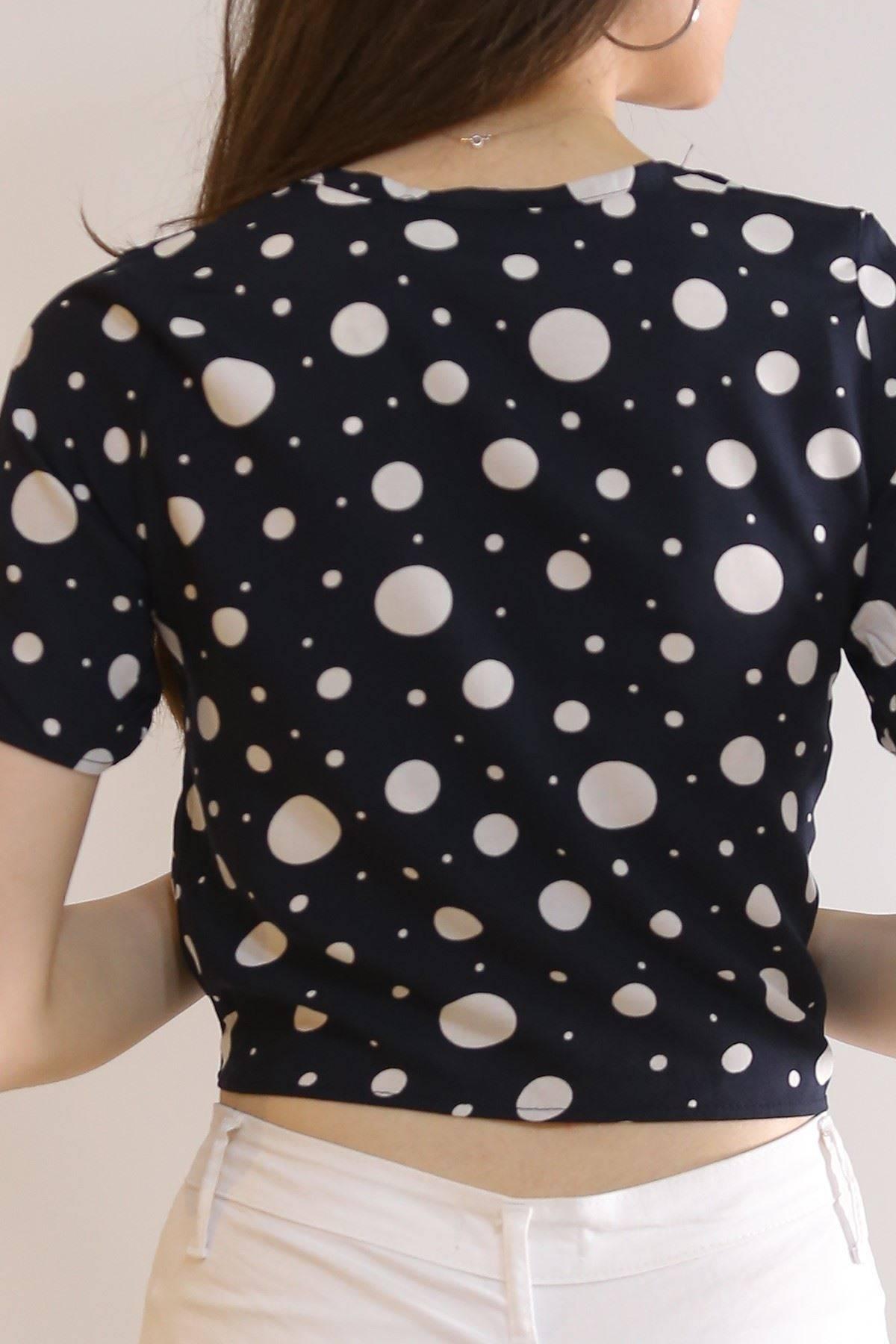 Altı Bağlamalı Bluz Lacipuanlı - 5835.1153.