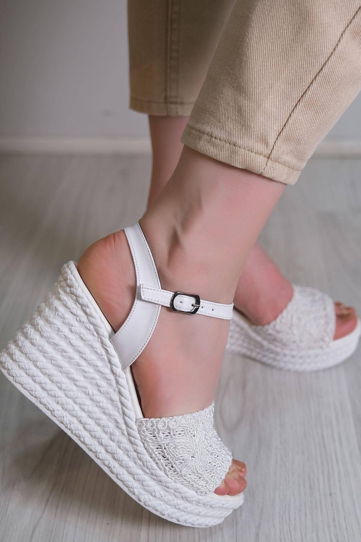 Kalın Topuklu Ayakkabı Beyaz - 6102.264.