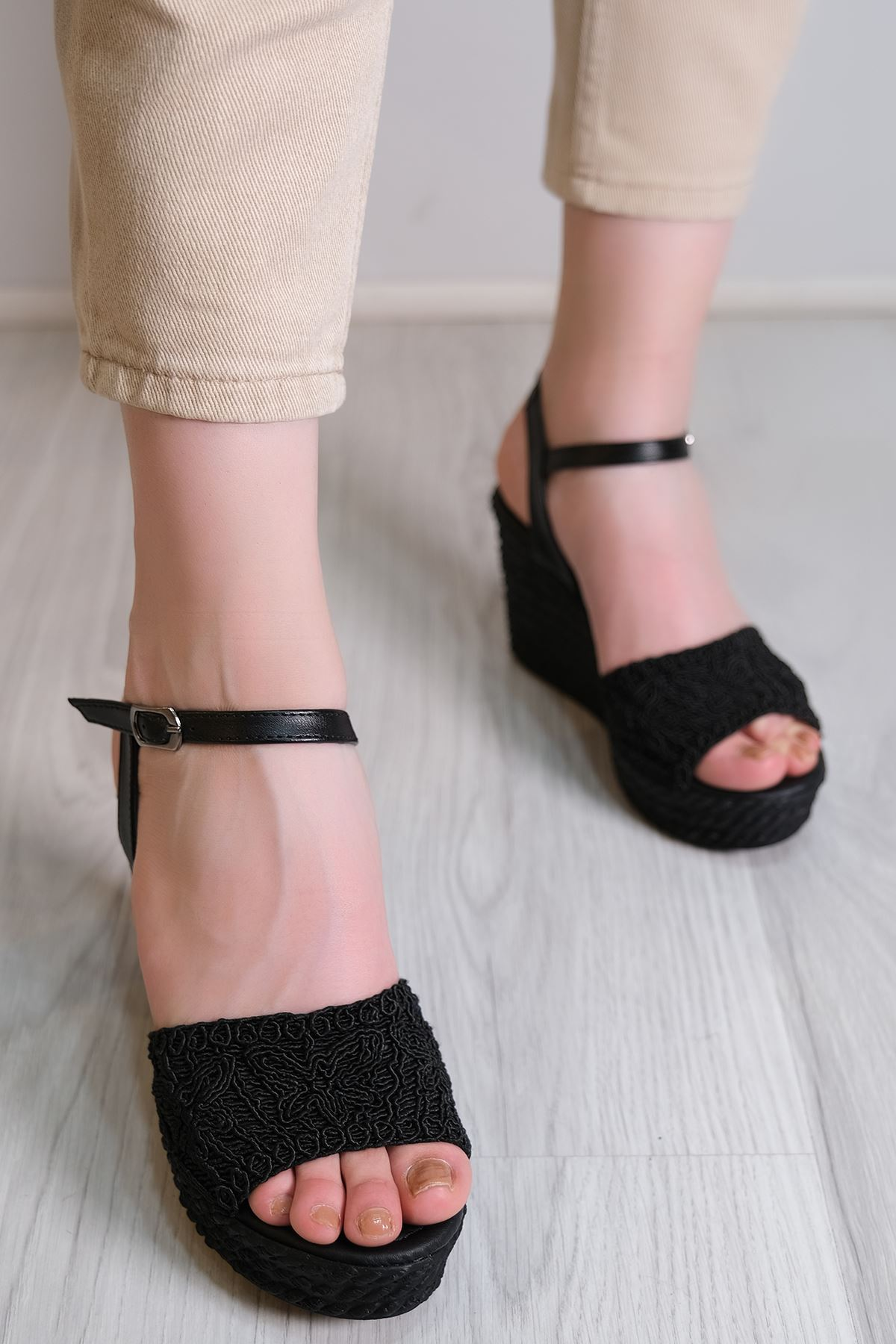 Kalın Topuklu Ayakkabı Siyah - 6102.264.