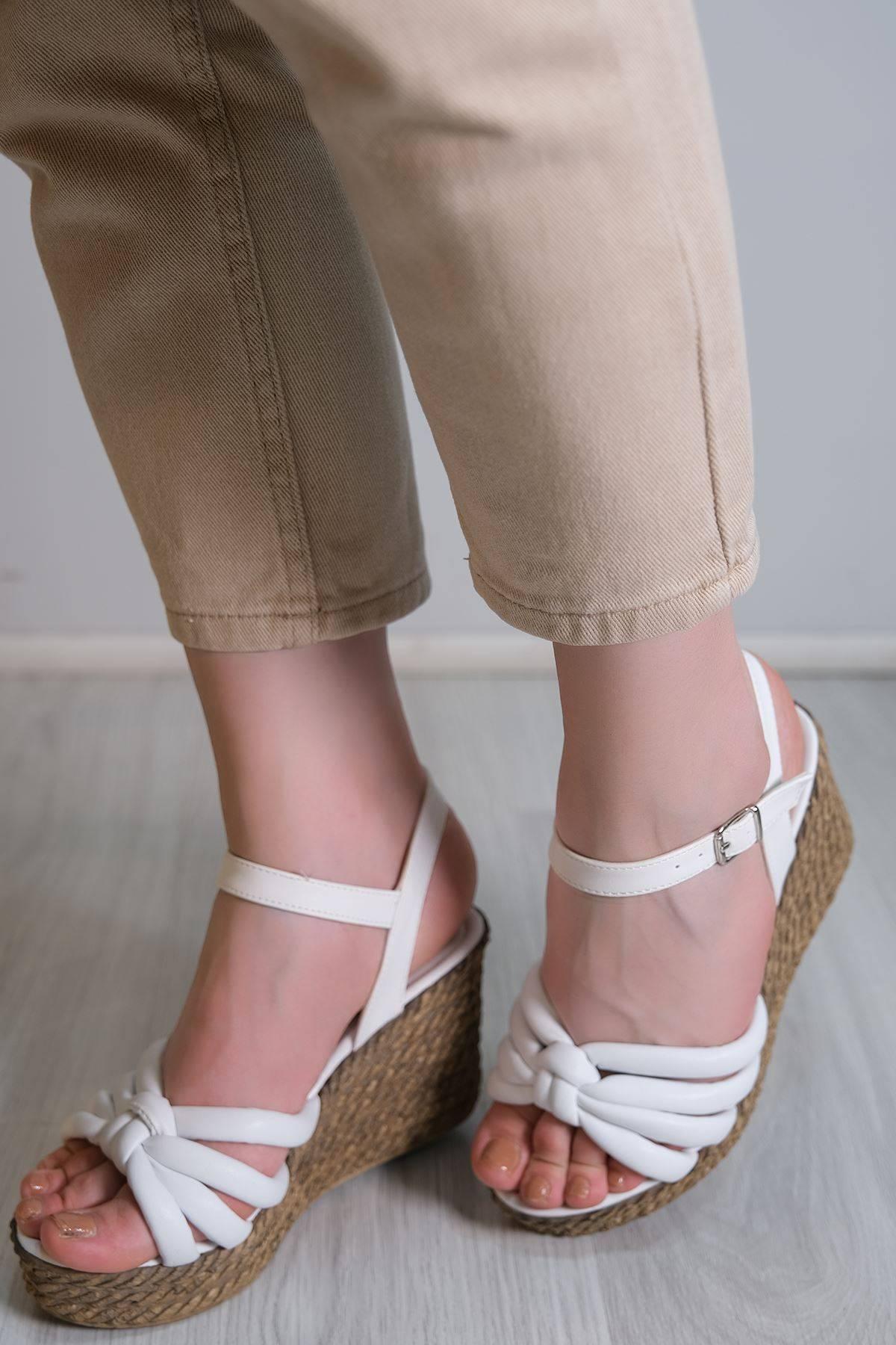 Kalın Taban Topuklu Ayakkabı Beyaz - 6104.264.