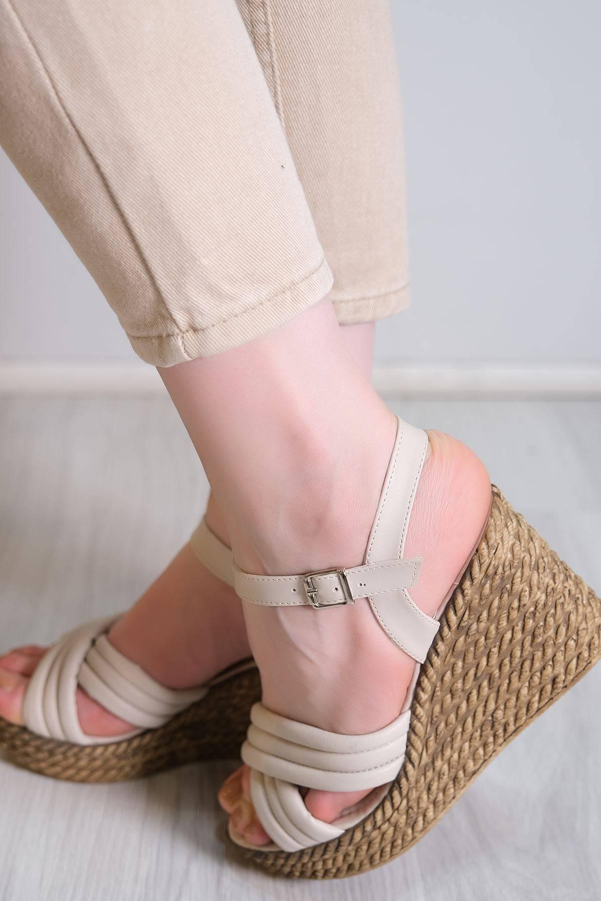 Kalın Taban Topuklu Ayakkabı Ten - 6104.264.