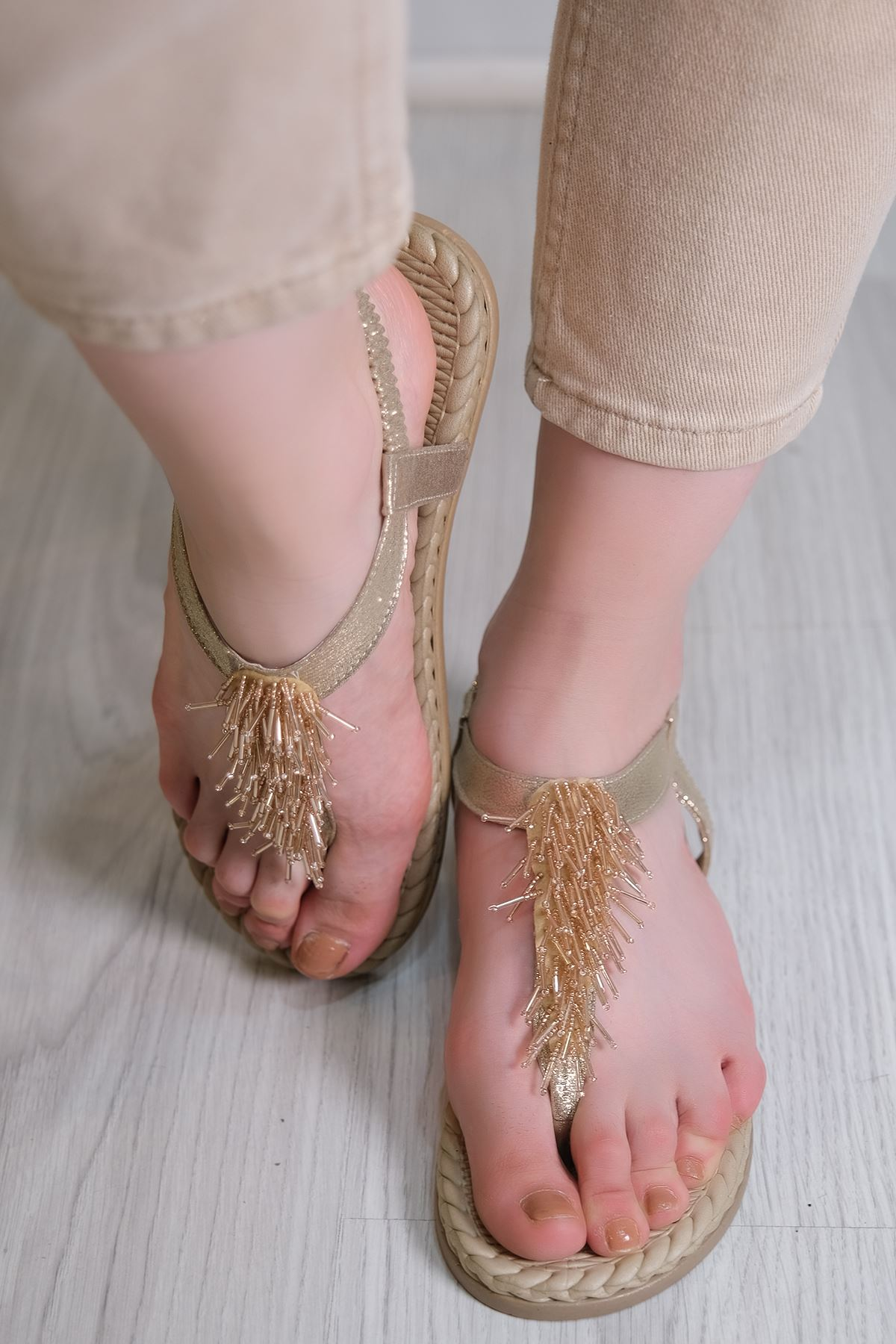Parmak Arası Sandalet Gold - 6111.264.