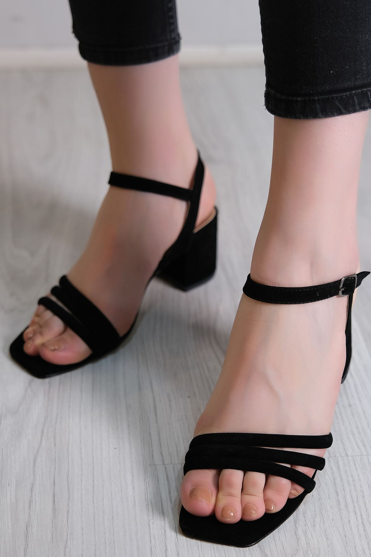 5 Cm Topuklu Ayakkabı Süetsiyah - 6118.164.