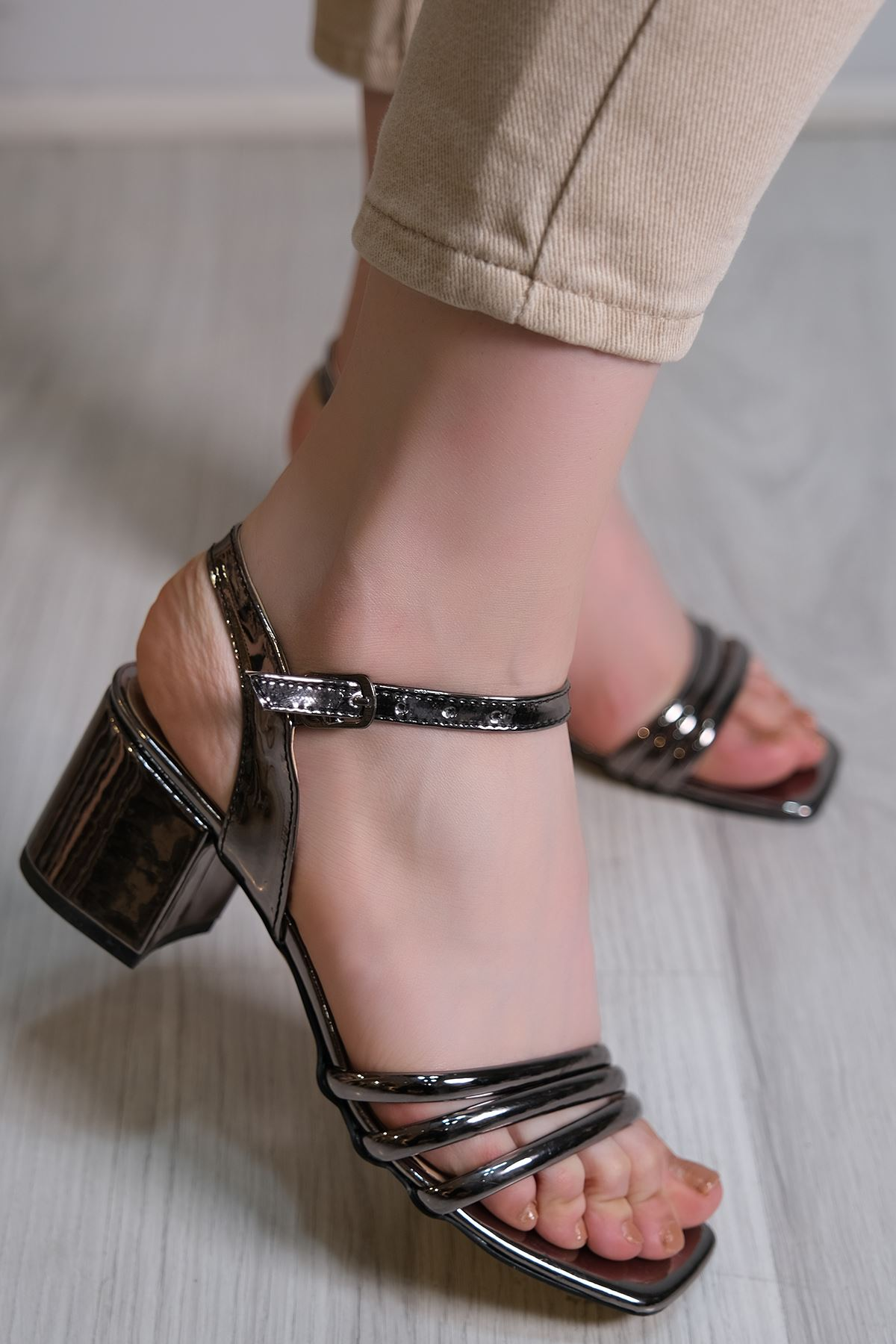 7 Cm Topuklu Ayakkabı Platin - 6119.264.