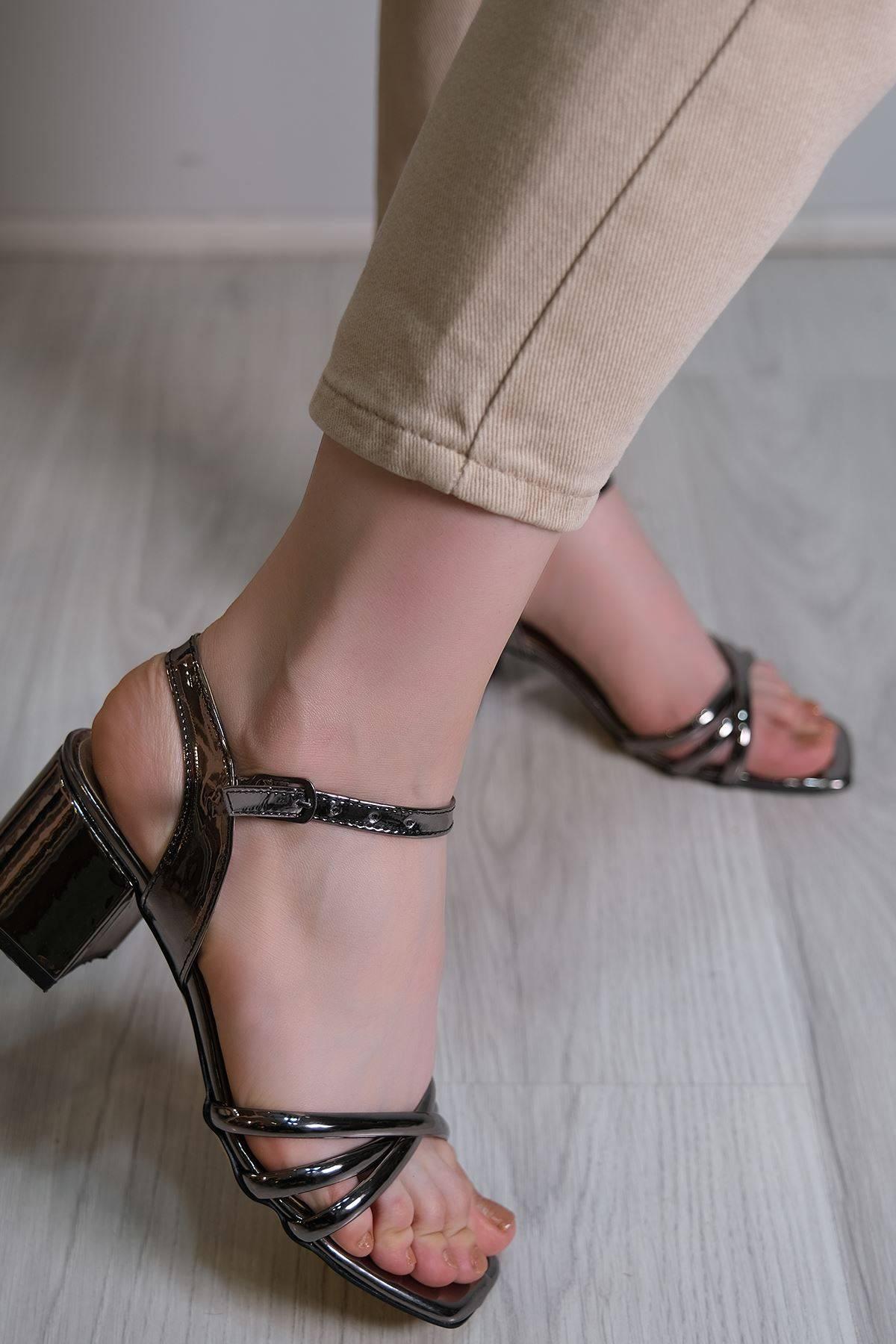 5 Cm Topuklu Ayakkabı Platin - 6120.264.
